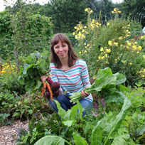 Vera Greutink geeft workshop in de moestuin